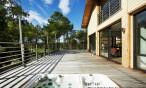 Maison bois contemporaine avec terrasse dans les Landes