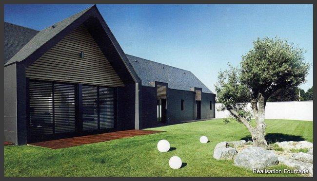 Maison basque moderne maison bois gers 32 immobilier for Promoteur maison bois