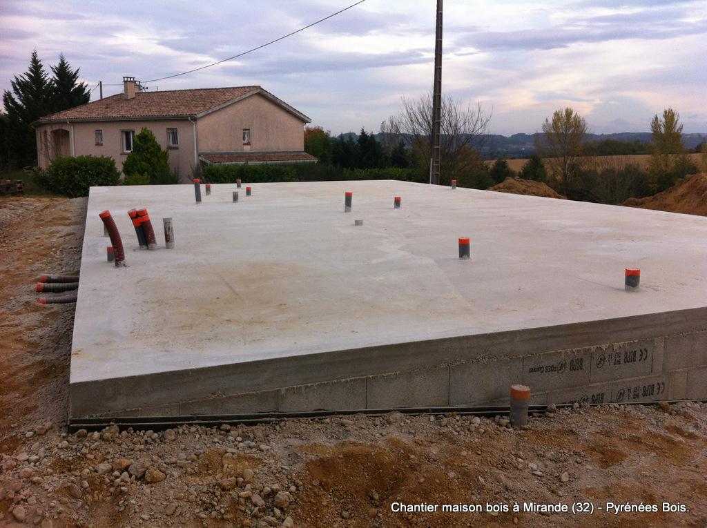 Maison bois en construction dans le Gers : pose sur plancher hourdi